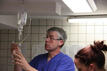 Vorbereitung einer Dauertropfinfusion