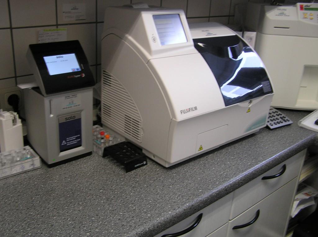 Scil-EuroLyser und Fuji Dri-Chem NX500i